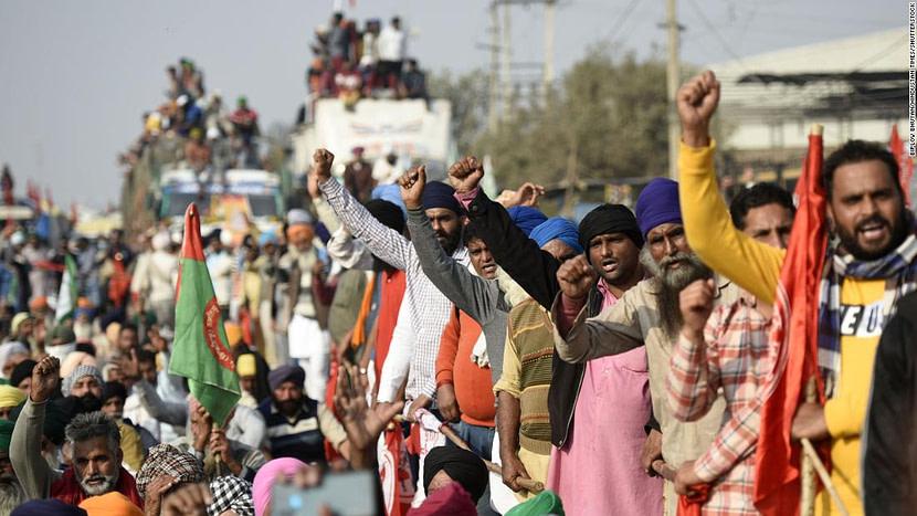 PM Modi's invite Farmers  leaders to talk says govt will decide date